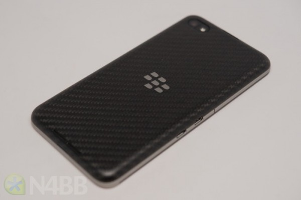 BlackBerry_Z30-25-700x465